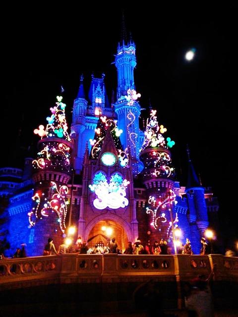 TokyoDisneyland-CastleNight