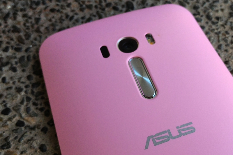13MP rear camera + flash // volume buttons